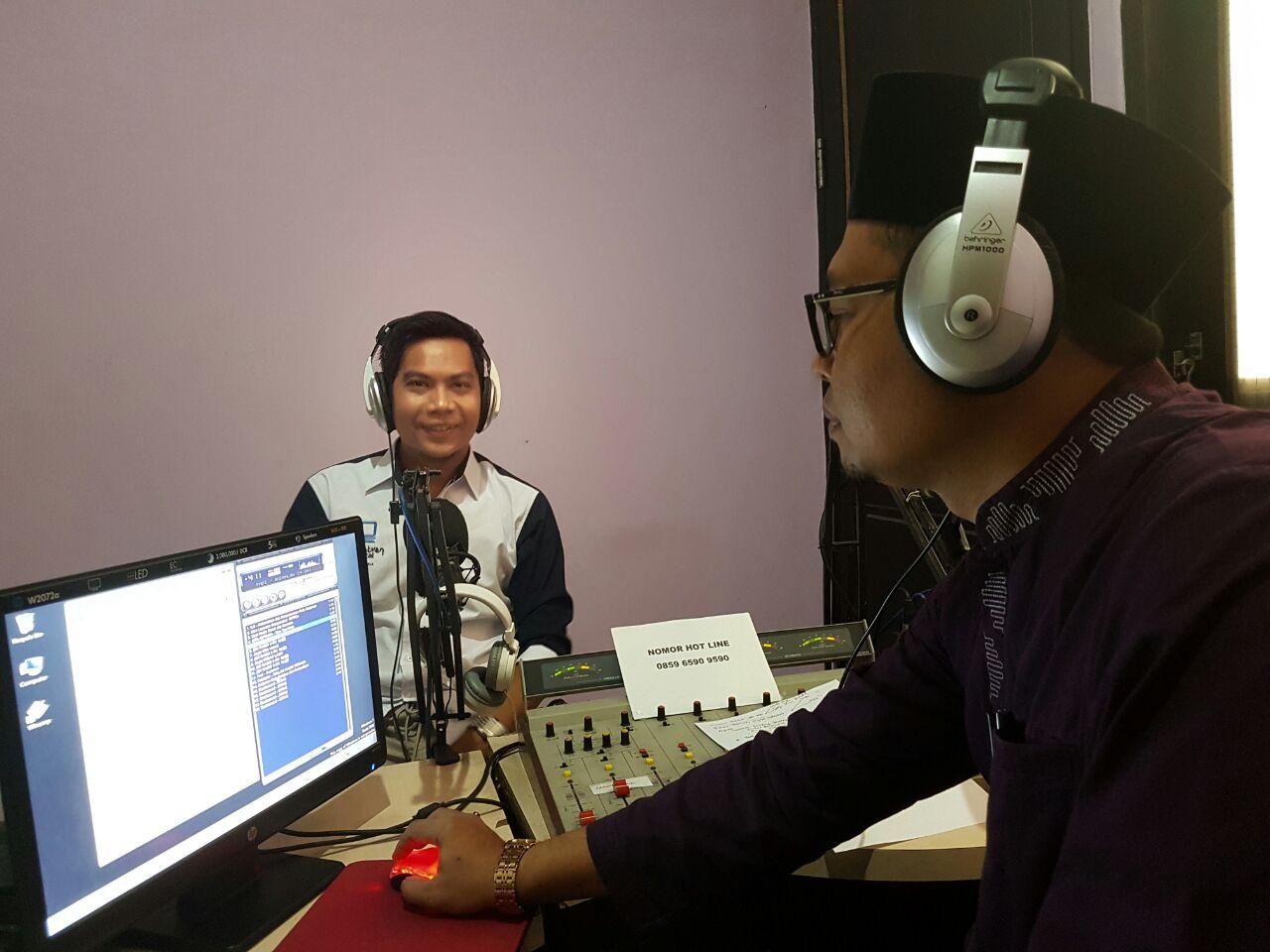 Dialog di 105 FM Suara Mataram